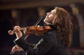 il-violinista-del-diavolo-david-garrett-nel-ruolo-di-niccolo-paganini-in-una-scena-del-film-298659_jpg_351x0_crop_q85