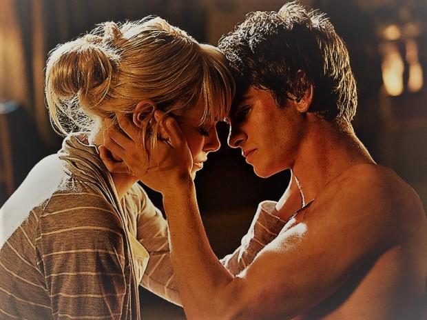 emma-stone-andrew-garfield-bacio-film