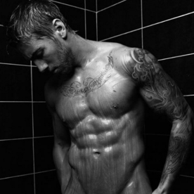 hot-dudes-in-the-shower-14